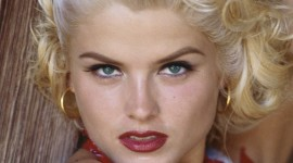 Anna Nicole Smith Wallpaper For IPhone