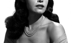 Bettie Page Wallpaper For Android