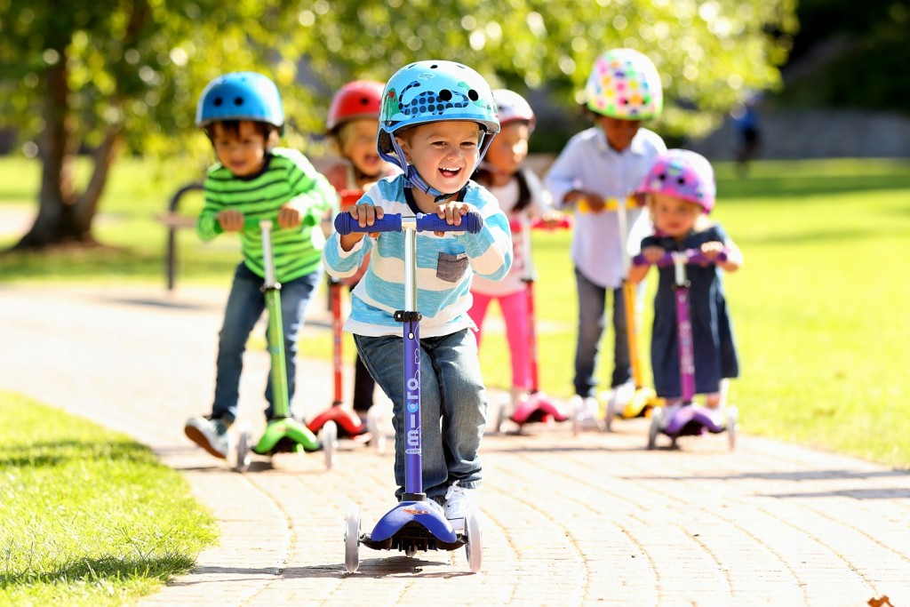 Child Scooter wallpapers HD