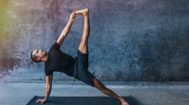 Male Yoga Wallpaper