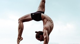 Male Yoga Wallpaper For Mobile