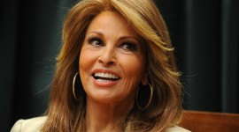 Raquel Welch Wallpaper Gallery