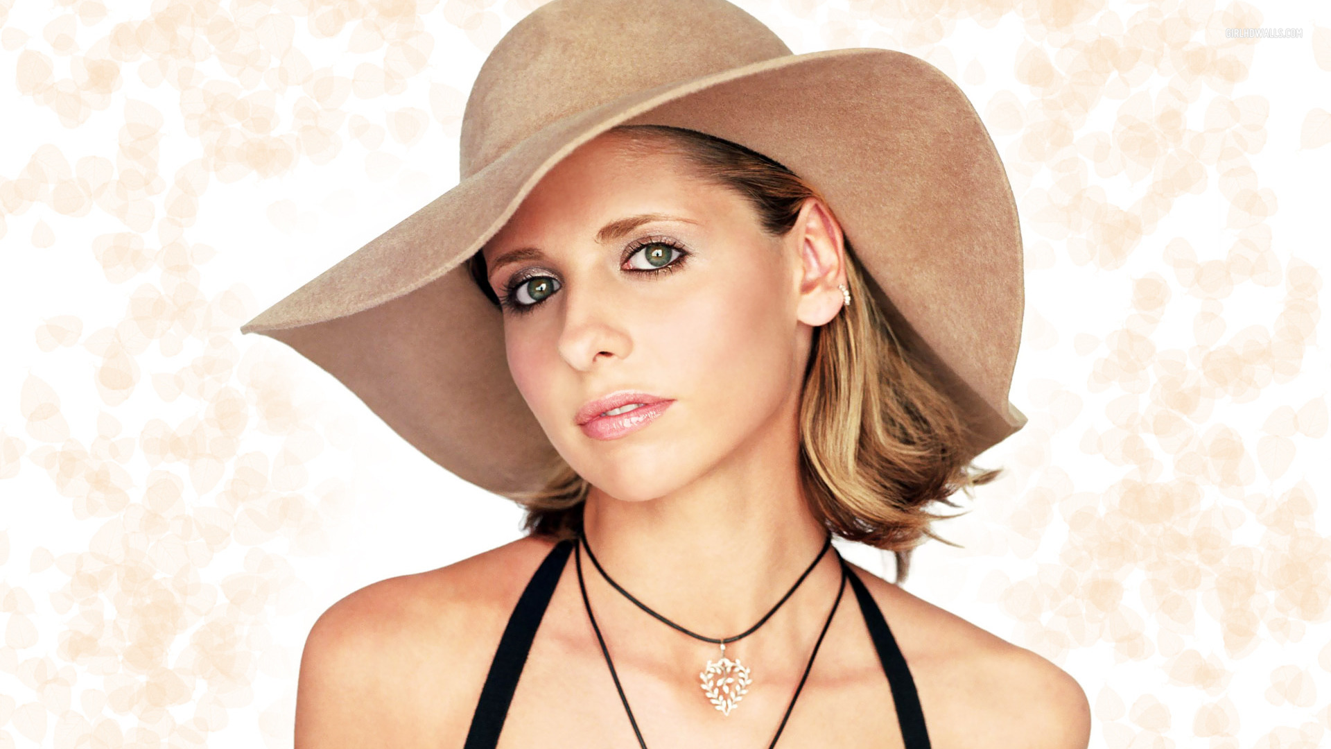 Sarah Michelle Gellar Wallpapers High Quality | Download Free