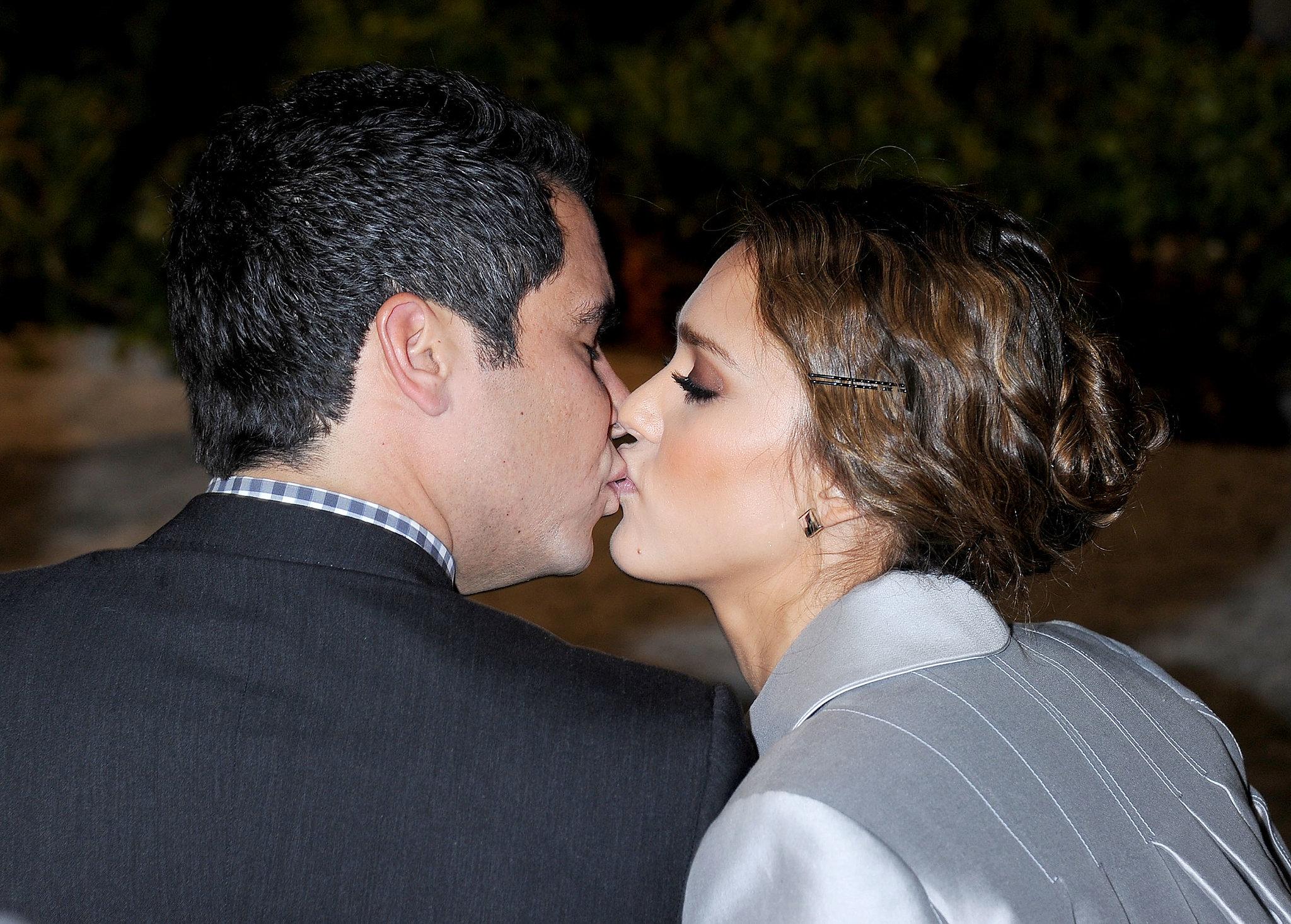 видео самые известные поцелуи фото вместительных шкафов