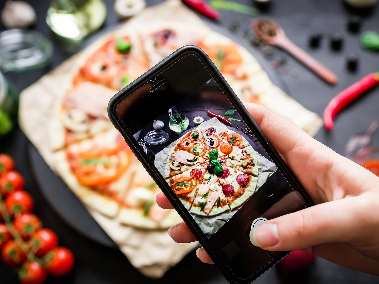 фуд фотография на смартфон может украсить праздничный